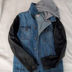 Kids denim jacket with faux leather sleeves